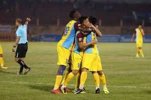Thắng trận thứ 2 liên tiếp, Khánh Hòa tiếp tục nuôi hy vọng trụ hạng