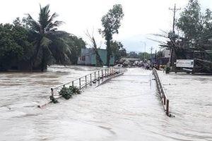 Phú Quốc ngập lụt lịch sử, sơ tán 2.000 dân đến nơi an toàn