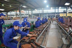 Bị cuốn vào máy cấp liệu, nữ công nhân nhà máy gạch tử vong