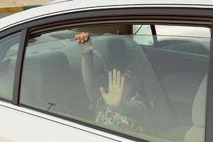 Những lý do bố mẹ bỏ quên con nhỏ tử vong trên ô tô đến khó tin