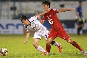 Trọng tài gây tranh cãi, Hoàng Anh Gia Lai thua ngược trên sân nhà