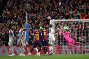 Cận cảnh siêu phẩm giúp Messi giành giải 'Bàn thắng đẹp nhất UEFA'