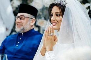 Vì sao Hoa hậu Nga chia tay cựu vương Malaysia dù mới sinh con?
