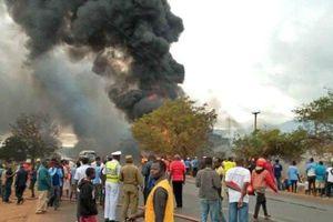 61 người bị thiêu cháy ở Tanzania vì 'hôi' dầu từ xe bồn bị cháy nổ