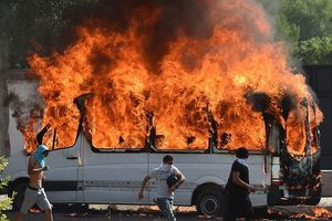Bạo loạn bùng nổ tại thủ đô Bishkek sau khi cựu tổng thống Atambayev bị bắt