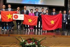Học sinh Việt Nam được trao giải Thí sinh đạt điểm cao nhất toàn kỳ thi Olympic Quốc tế Thiên văn học và Vật lý thiên văn