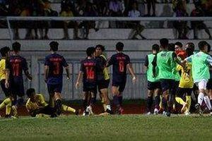 Toàn cảnh cầu thủ Thái Lan và Malaysia đánh nhau: Đá thua còn đấm người