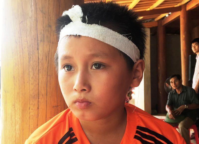 Bé 10 tuổi thoát chết thần kỳ khi bị lũ cuốn trôi 4 kilomet ở Thanh Hóa