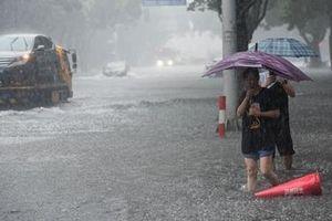 Miền Đông Trung Quốc vật lộn với bão Lekima