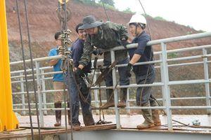 Đã khắc phục được một phần sự cố kẹt van thủy điện Đắk Kar