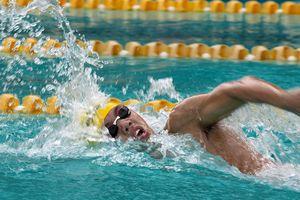 Nguyễn Huy Hoàng: Chàng trai 'tuổi 2K' mỗi ngày bơi 20 km