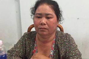 Nữ tiểu thương bỏ trốn sau 27 năm giết cha ruột