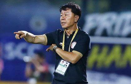 Sau trận thua CLB Quảng Nam, HLV Chung Hae Seong chỉ trích đó 'không phải là bóng đá'