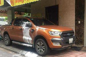 Sau nhiều lần đỗ sai quy định, chủ ô tô Hyundai Tucson hoảng hốt khi thấy xe xuất hiện dòng chữ lạ