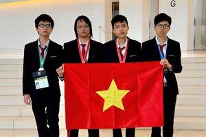 4 thí sinh dự thi Olympic Tin học quốc tế đều đoạt huy chương