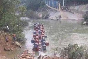 Đã tìm thấy thi thể 2 nạn nhân bị nước cuốn trôi trong vụ lật bè ở Cao Bằng