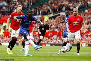 Ra ngõ gặp núi, Frank Lampard và các cầu thủ Chelsea gặp cú sốc lớn