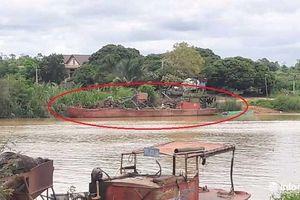Đắk Lắk: Tàu không số, không đăng ký rầm rộ hút cát trái phép trên sông Krông Nô