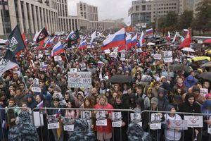 60.000 người Nga xuống đường đòi bầu cử tự do
