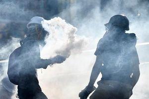 Trung Quốc: Chính quyền Hong Kong lên án người biểu tình ném bom xăng