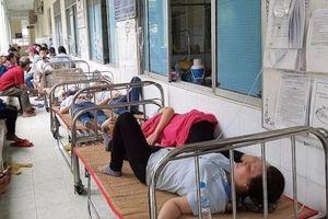 Hàng chục công nhân nhập viện nghi hít phải mùi thuốc diệt mọt gỗ