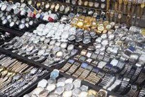 Đắk Lắk: Hàng trăm chiếc đồng hồ giả mạo nhãn hiệu bị tịch thu