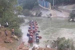 Lật bè ở Cao Bằng, nhiều người rơi xuống sông, 3 người mất tích