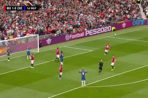 Man Utd 'tặng' Chelsea 4 bàn không gỡ