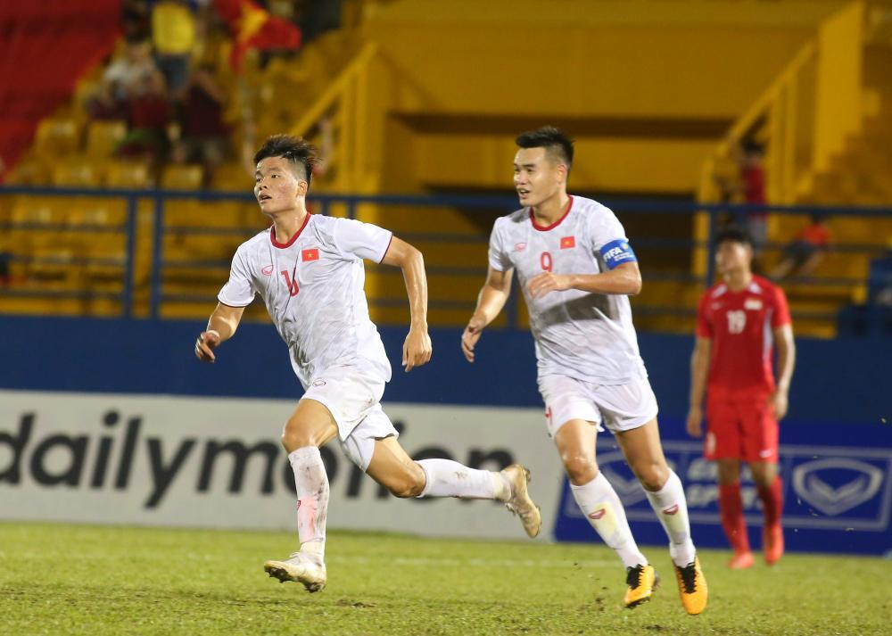U18 Việt Nam thắng tưng bừng U18 Singapore, chờ đại chiến Thái Lan