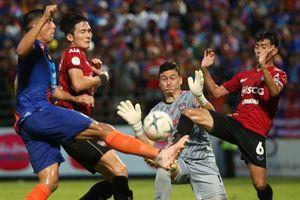 Đặng Văn Lâm thủng lưới 2 lần, Muangthong United đứt chuỗi 8 trận bất bại