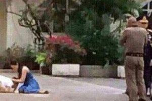 Hoàng tử Thái Lan từng quỳ lạy tiễn biệt mẹ giờ ra sao khi xuất hiện thêm hai người mẹ kế