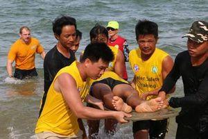 Lơ là cứu hộ bờ biển