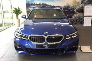 Cận cảnh BMW 330i M Sport giá 2,38 tỷ đồng tại Việt Nam