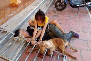 Đôi nam nữ rủ nhau đi trộm chó bị người dân truy bắt