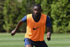 Chelsea vá hàng thủ bằng 'thương binh' Antonio Rudiger