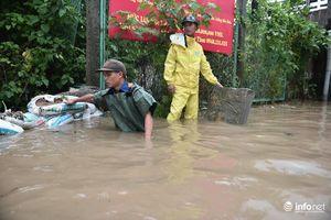 Hà Nội: Cảnh báo điểm ngập lụt, để dân dễ dàng... tránh tuyến đường ngập