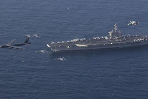 Mỹ tuyên bố tàu sân bay tại vùng Vịnh 'sẵn sàng tấn công Iran khi có lệnh'