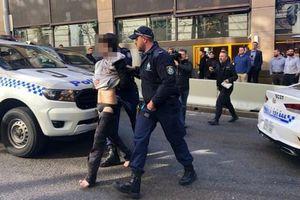 Bắt đối tượng đâm dao tại trung tâm Sydney