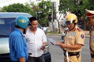 Theo chân tổ TTKS liên ngành 'truy quét' xe trá hình tuyến Huế - Đà Nẵng