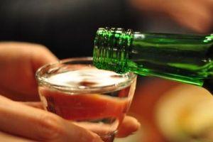 Bệnh nhân nhập viện cấp cứu do uống tới 10 lít rượu trong 5 ngày