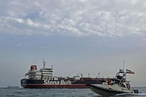 Anh sắp thả tàu dầu Iran sau khi nhận tài liệu 'lạ'?