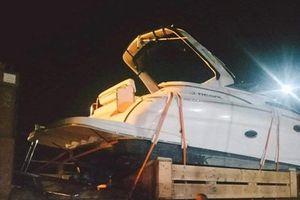 Phụ xe thiệt mạng trong lúc cứu hộ container trên cao tốc