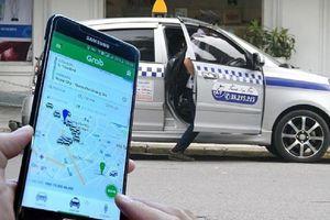 Grab hoan nghênh taxi truyền thống chuyển sang mô hình Grab