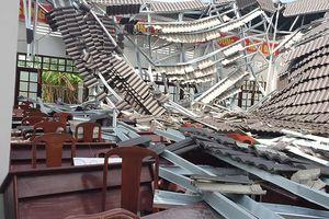 Hội trường trong khu hành chính 15 tỉ đổ sập sau hơn nửa năm sử dụng
