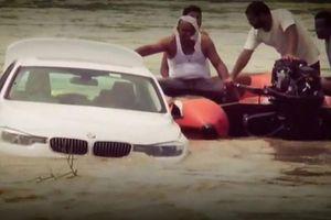 Không được cha mẹ tặng siêu xe Jaguar, thiếu gia đẩy xe BMW xuống sông