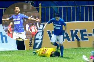 Giật chỏ, giẫm lên đầu đồng nghiệp, cầu thủ Nguyễn Hải Huy bị phạt nặng