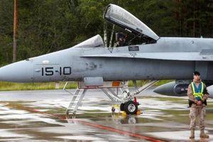 Máy bay quân sự của nước nào áp sát máy bay chở Đại tướng Shoigu?