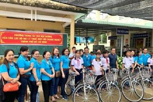 Tiếp sức năm học mới cho học sinh tỉnh Bến Tre