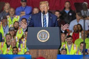 Ông Trump than 'mất cả đống tài sản' từ khi làm tổng thống