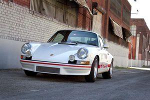 Porsche 911 Carrera RS Touring 1973 siêu hiếm độ kiểu RUF giá lên tới nửa triệu USD